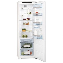 AEG H1768xW556xD549 Integrated Tower Fridge